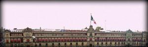 Palacio Nacional (siglo XIX) en la plaza de la Constitución.