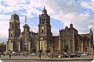 Catedral metropolitana (1571-1813) y capilla del Sagrario Metropolitano churrigeresca
