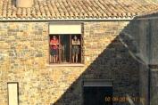 Chicas en el balcón, La Demba